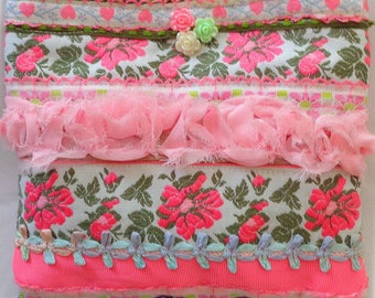 Pink Posies Pouch