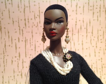 Fashion Royalty Barbie Silkstone doll freshwater pearl necklace