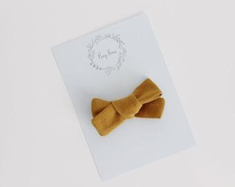Chunky knot bow   mustard