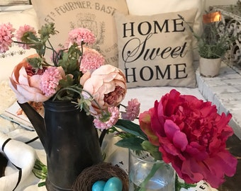 """Decorative """"Home Sweet Home"""" Pillow Cover"""