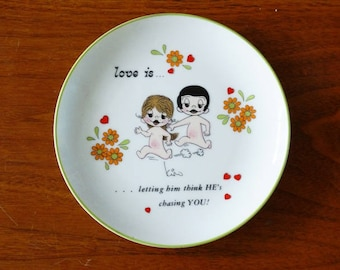 Kim Casali Love Is Letting Him Think He's chasing you!, Love Is Collectible Plate, 1972