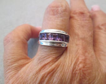 Pretty Sterling Silver & Genuine Amethyst Ring> Band style>> Vintage 1980's, new old stock, never worn