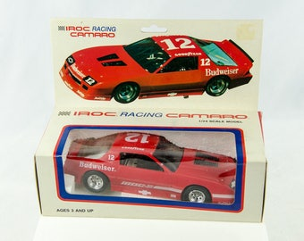 Vintage 1986 Iroc Racing Chevrolet Camaro IROC-Z 1/24 Scale Model Car