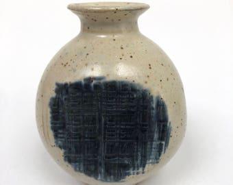 Small bud vase studio pottery // Signed vintage pottery // Vintage ceramic vase