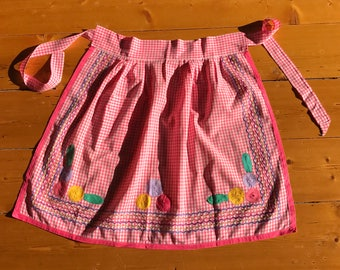 Amazing, Beautiful, Vintage Pink Gingham Apron with Super Cute Flower Embroidery Detailing