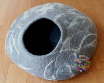 Large Felt Cat Cave (Diameter 50 cm, Height 20 cm) / Cat Bed / Pet Bed / Puppy Bed / Cat House. 100 % Wool Natural Color