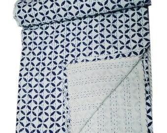 Kantha Quilt Gudri, Handmade Kantha Ethnic Stitch Decorative Gudri Print Queen Size Quilt, Unique Design Leaf Circled Printed