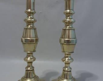 Few yellow brass Victorian scroll candlesticks 1901 England