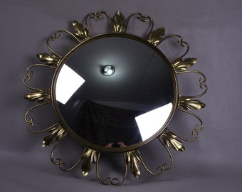 Italian Sunburst Curved Mirror with Acanthus Leaves - 1960s Italy