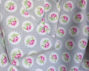 Charlotte by Tanya Whelan Free Spirit Dressmaking Quilting Sewing Cushion