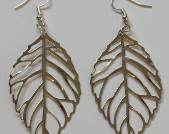 GIFT SET!...Silver Plated Filigree Leaf Earrings and Necklace Set