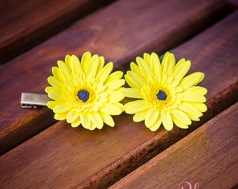Two hairpins 'Yellow Gerbera'