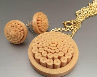Mum pendant and earrings