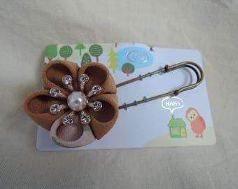 Japanese Kanzashi Scarf pin