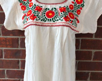 Mexican embroidered blouses M