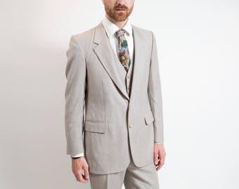 Vintage Men's Suit / 3-piece Wedding Groom Grey Wool Suit / Pants size 31-32, Jacket size 40.