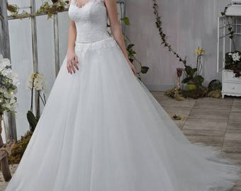 Wedding dress wedding dress bridal gown KELLY princess dress lace ivory sleeveless beadwork simply