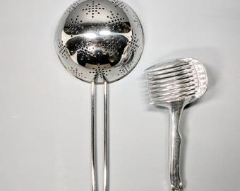Vintage tea strainer/egg slicer