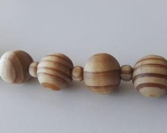 Bespoke fashion jewelry - wooden vanilla