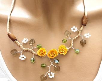 Hazelnut necklace three cold porcelain flowers