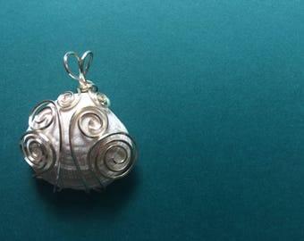 Swirled Wire Seashell Pendant