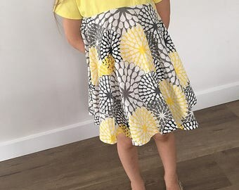 Size 2 S/S Yellow Summer Dress