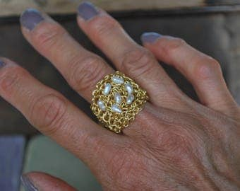 Gold crochet ring with freshwater pearls