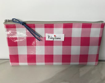 Long Oilcloth pouch / Zipper pouch / Pencil pouch / Makeup brush pouch / Pink gingham