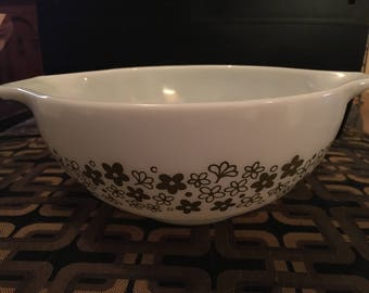 Vintage Pyrex Mixing Bowl - 2.5qt Spring Blossom Pattern