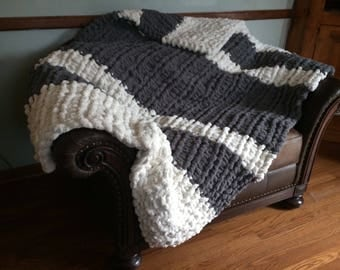 Chunky Yarn Throw Blanket