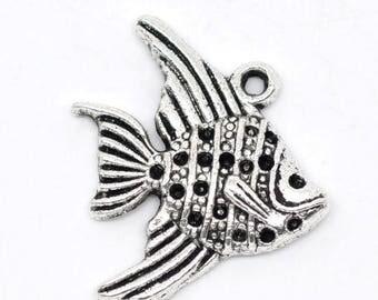 Small charm small fish color silver