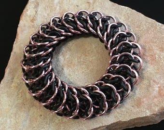 Interwoven 4 in 1 stretchy black & pink chain maille bracelet