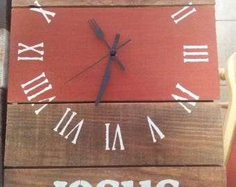 Farmhouse Rustic Reclaimed Pallet Kitchen Jesus Wall Clock