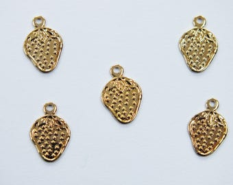 LOT 5 METALS CHARMS Gold: Strawberry 11 mm