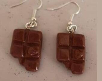 Earrings caramel chewed tablets