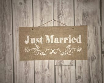 """Signs """"Just Married"""" faux burlap"""