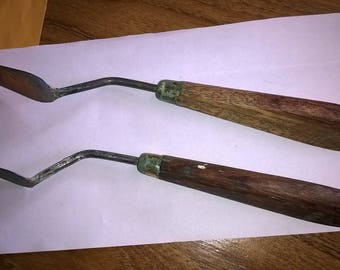 339) two knives to paint wood handle