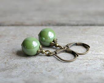 Minimalist earrings beads ceramic green - designer jewelry - refined and delicate minimalist jewelry - gift jewelry