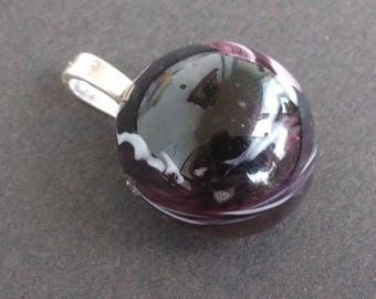 Garnet and cream glass Oval Pendant