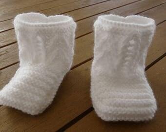 Baby 0-3 months - white - handknit - birth gift