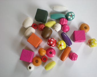 Set of 28 colorful wood beads