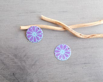 X 2 lilac and light turquoise sequins (one side pattern and a solid)