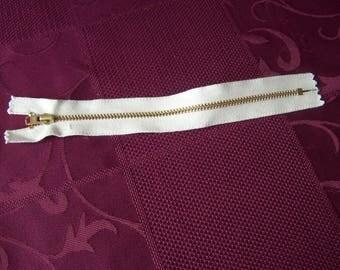 Set of 2 white 13 cm zipper closures