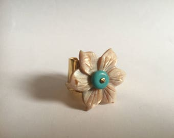 Small Pearl flower ring