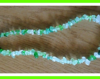 Baby green beads necklace