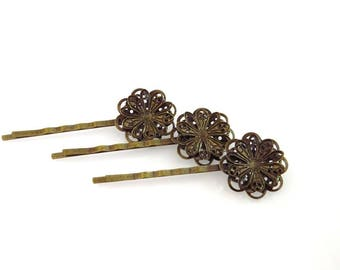 package includes 3 hair clips