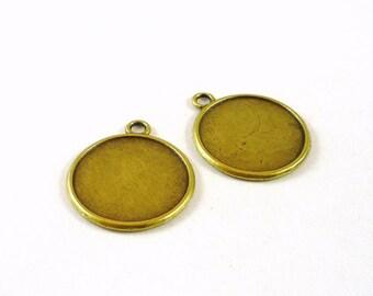 1 medium bronze cabochon and 22mm (su13) glass cabochon