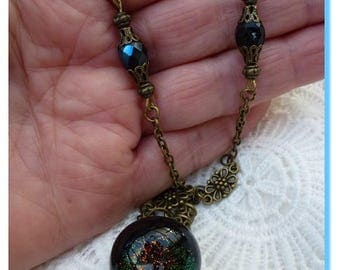 pretty sequined black resin pendant necklace