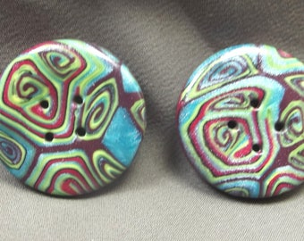 2 round buttons 3 cm pattern abstract moiré effect.