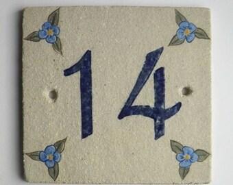 Plate front door in stoneware, number 14, original decor flowers on beige linen